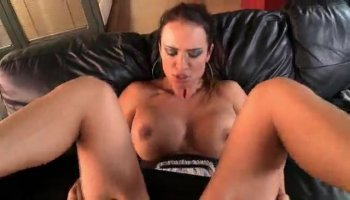 Girl is creating waves with her pov oral sex
